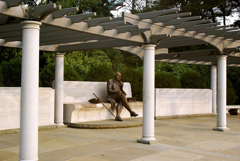 THE GEORGE MASON MEMORIAL IN WASHINGTON D.C.