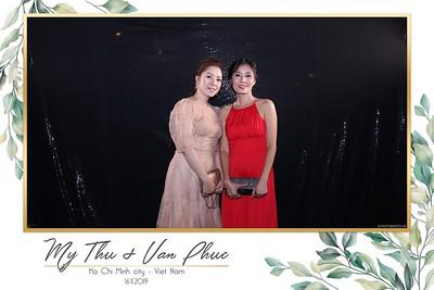 Thu-Hien-Van-Phuc-wedding-instant-print-photobooth-Thao-Dien-Village-WefieBox-Photobooth-Vietnam-75