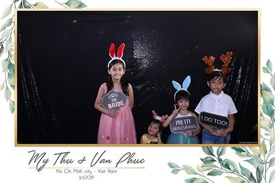 Thu-Hien-Van-Phuc-wedding-instant-print-photobooth-Thao-Dien-Village-WefieBox-Photobooth-Vietnam-92