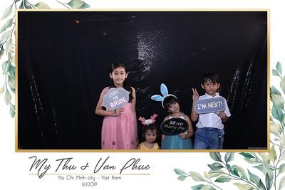 Thu-Hien-Van-Phuc-wedding-instant-print-photobooth-Thao-Dien-Village-WefieBox-Photobooth-Vietnam-91
