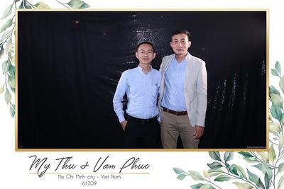Thu-Hien-Van-Phuc-wedding-instant-print-photobooth-Thao-Dien-Village-WefieBox-Photobooth-Vietnam-63