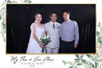 Thu-Hien-Van-Phuc-wedding-instant-print-photobooth-Thao-Dien-Village-WefieBox-Photobooth-Vietnam-90