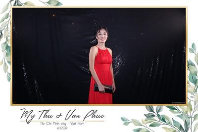 Thu-Hien-Van-Phuc-wedding-instant-print-photobooth-Thao-Dien-Village-WefieBox-Photobooth-Vietnam-76