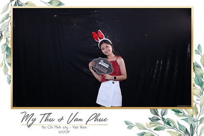 Thu-Hien-Van-Phuc-wedding-instant-print-photobooth-Thao-Dien-Village-WefieBox-Photobooth-Vietnam-60