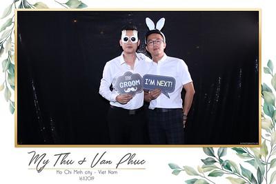 Thu-Hien-Van-Phuc-wedding-instant-print-photobooth-Thao-Dien-Village-WefieBox-Photobooth-Vietnam-78