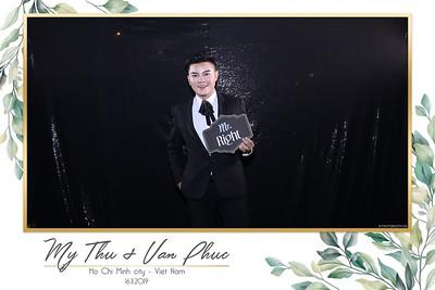 Thu-Hien-Van-Phuc-wedding-instant-print-photobooth-Thao-Dien-Village-WefieBox-Photobooth-Vietnam-85
