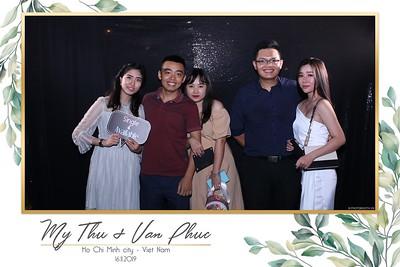 Thu-Hien-Van-Phuc-wedding-instant-print-photobooth-Thao-Dien-Village-WefieBox-Photobooth-Vietnam-59