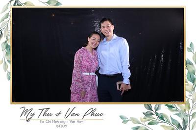 Thu-Hien-Van-Phuc-wedding-instant-print-photobooth-Thao-Dien-Village-WefieBox-Photobooth-Vietnam-61