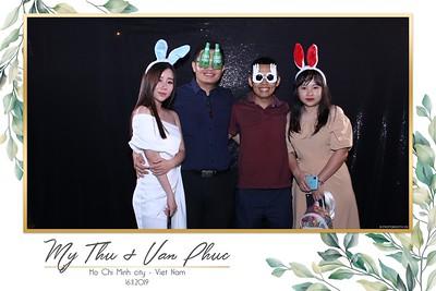 Thu-Hien-Van-Phuc-wedding-instant-print-photobooth-Thao-Dien-Village-WefieBox-Photobooth-Vietnam-54