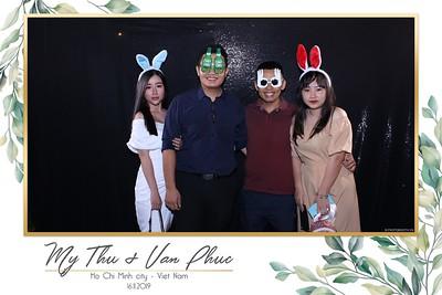 Thu-Hien-Van-Phuc-wedding-instant-print-photobooth-Thao-Dien-Village-WefieBox-Photobooth-Vietnam-55