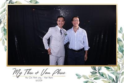 Thu-Hien-Van-Phuc-wedding-instant-print-photobooth-Thao-Dien-Village-WefieBox-Photobooth-Vietnam-87