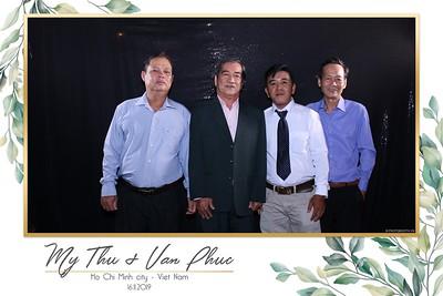 Thu-Hien-Van-Phuc-wedding-instant-print-photobooth-Thao-Dien-Village-WefieBox-Photobooth-Vietnam-67
