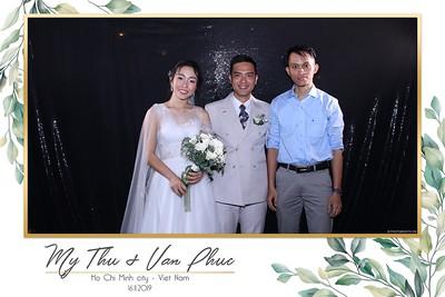 Thu-Hien-Van-Phuc-wedding-instant-print-photobooth-Thao-Dien-Village-WefieBox-Photobooth-Vietnam-95