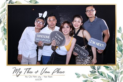 Thu-Hien-Van-Phuc-wedding-instant-print-photobooth-Thao-Dien-Village-WefieBox-Photobooth-Vietnam-53