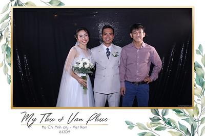 Thu-Hien-Van-Phuc-wedding-instant-print-photobooth-Thao-Dien-Village-WefieBox-Photobooth-Vietnam-94