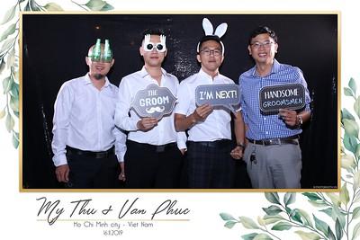 Thu-Hien-Van-Phuc-wedding-instant-print-photobooth-Thao-Dien-Village-WefieBox-Photobooth-Vietnam-77