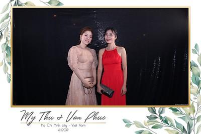 Thu-Hien-Van-Phuc-wedding-instant-print-photobooth-Thao-Dien-Village-WefieBox-Photobooth-Vietnam-73