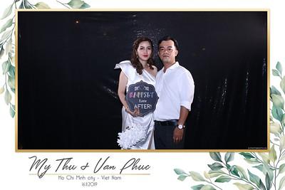 Thu-Hien-Van-Phuc-wedding-instant-print-photobooth-Thao-Dien-Village-WefieBox-Photobooth-Vietnam-68