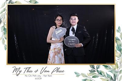 Thu-Hien-Van-Phuc-wedding-instant-print-photobooth-Thao-Dien-Village-WefieBox-Photobooth-Vietnam-83