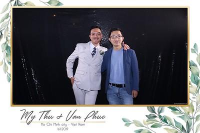 Thu-Hien-Van-Phuc-wedding-instant-print-photobooth-Thao-Dien-Village-WefieBox-Photobooth-Vietnam-89