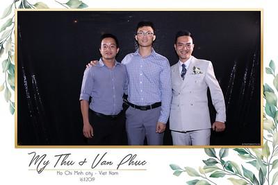 Thu-Hien-Van-Phuc-wedding-instant-print-photobooth-Thao-Dien-Village-WefieBox-Photobooth-Vietnam-96