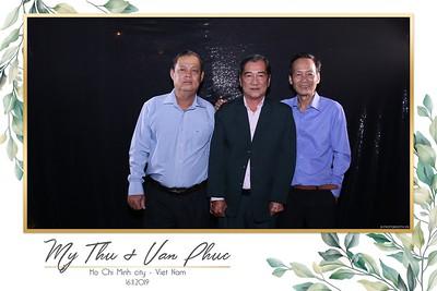 Thu-Hien-Van-Phuc-wedding-instant-print-photobooth-Thao-Dien-Village-WefieBox-Photobooth-Vietnam-65