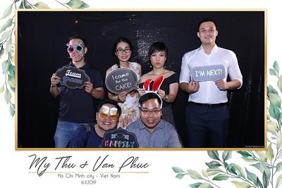 Thu-Hien-Van-Phuc-wedding-instant-print-photobooth-Thao-Dien-Village-WefieBox-Photobooth-Vietnam-51