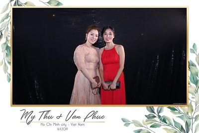 Thu-Hien-Van-Phuc-wedding-instant-print-photobooth-Thao-Dien-Village-WefieBox-Photobooth-Vietnam-74