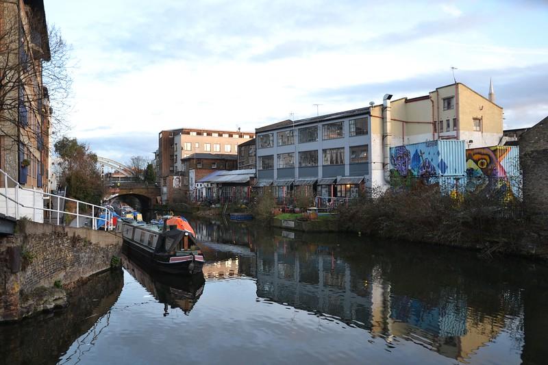 Kingsland basin + Canalside Studios, Regents Canal, Hackney - 01