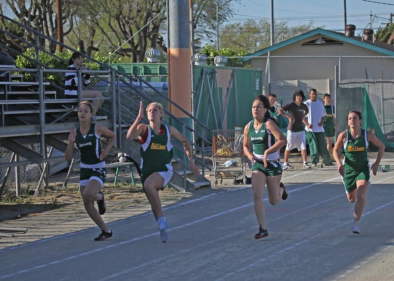 girls sprinters