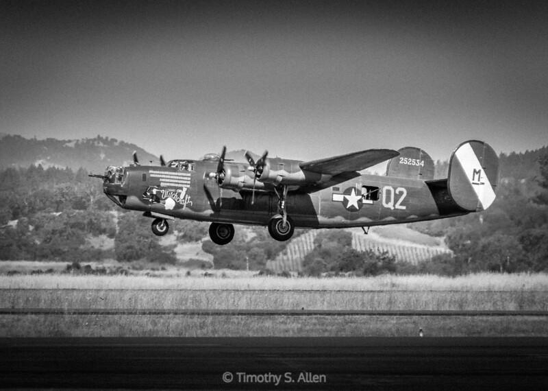 Consolidate B-24J in B&W