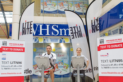 13th September 2013. Thistle Hotels. Lite@Nite Triatholon. London Victoria. From left to right;- Dean Crews & Sarah Suett