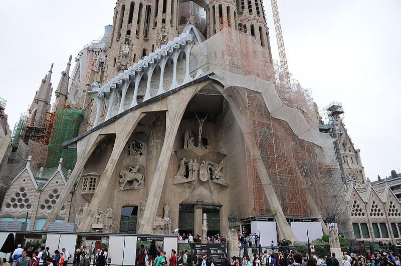 BARCELONA CITY TOUR -SAGRADA FAMILIA - GAUDI'S FINAL PROJECT