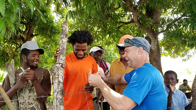 2019_SELECT-PHONE_Batey28-Day1-011
