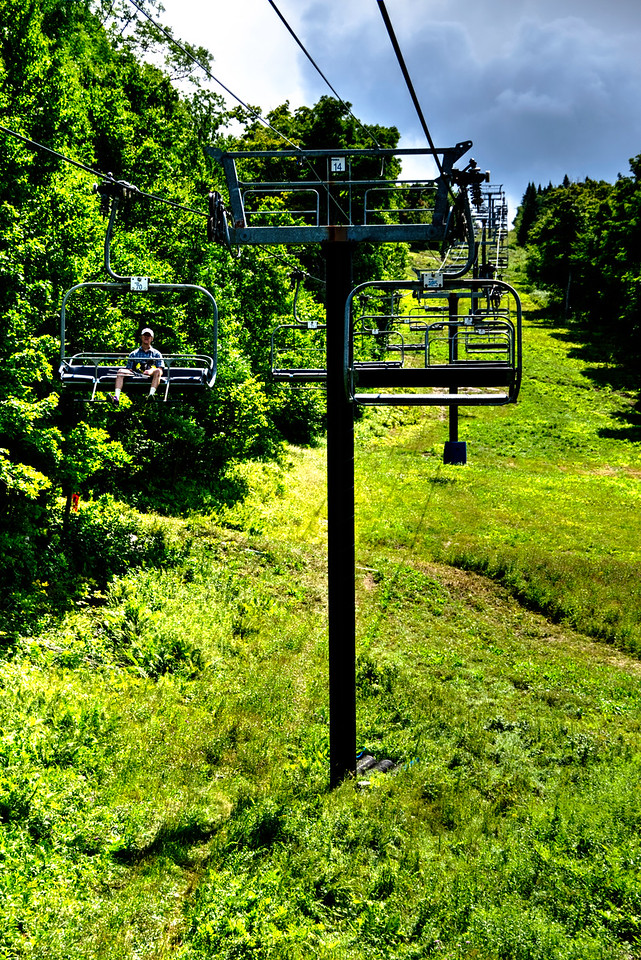 Chairlift to the top of Mount Sunapee