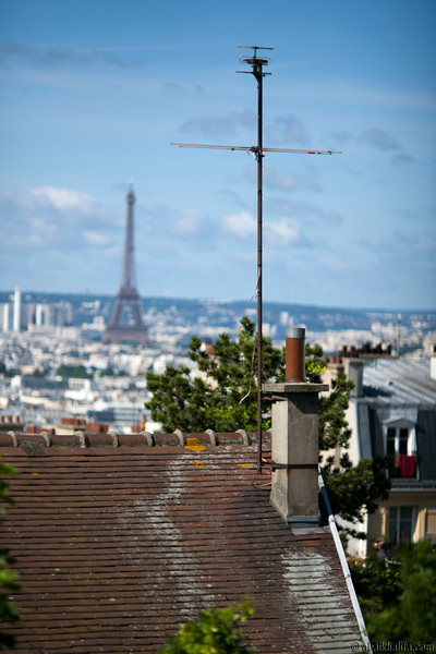 Tour de Eiffel from view from Montmartre