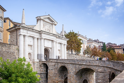 Bergamo, Veneeetsia väravad