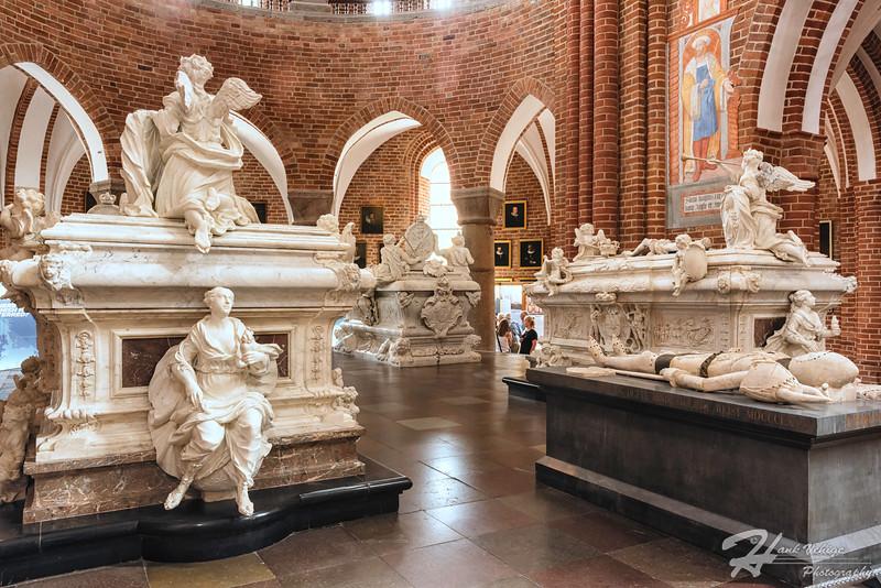 _HV86204-Edit_Roskilde Cathedral, Denmark_190607_