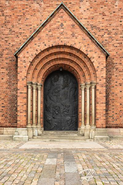 _HV86308-Edit_Roskilde Cathedral, Denmark_190607_