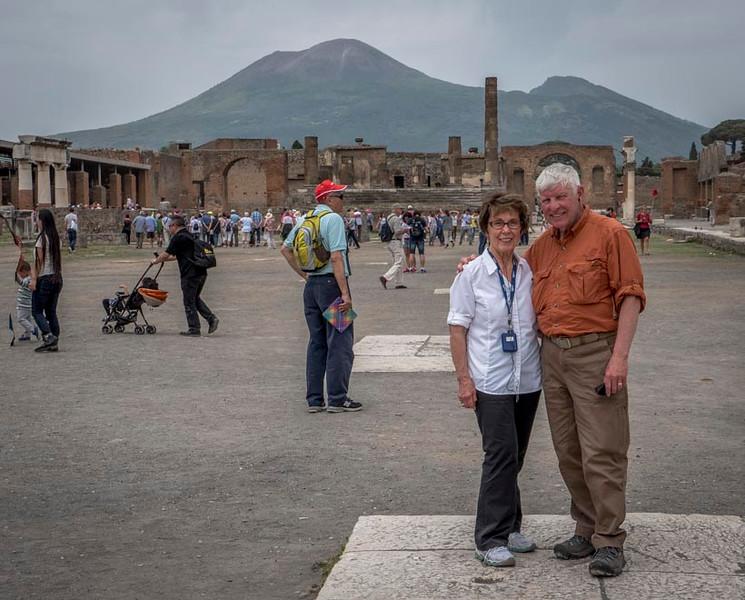 007 - The central forum area of Pompeii