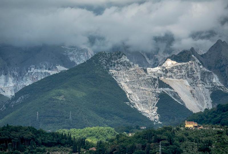 015a - Marble Quarries near Santa Margherita