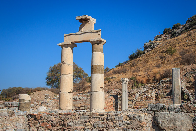 139 - Ephesus - Ionian Columns - part of State Agora