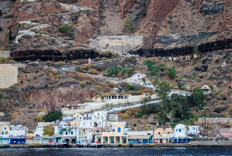 096 - Path up to Santorini
