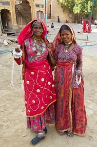 Hopeful vendors - trinkets