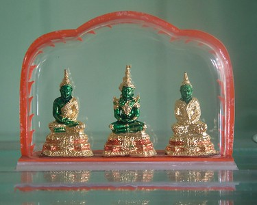 Tiny buddhas ~3 inches tall