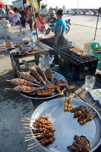 Shoreside meals along the Bay of Bengal