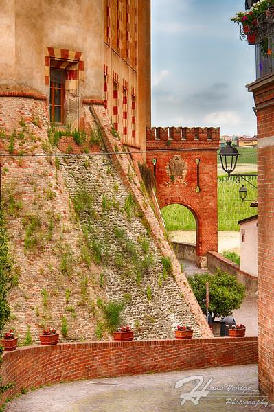 Barolo, Italy_2016_1429_HDR_PS_PS_PS