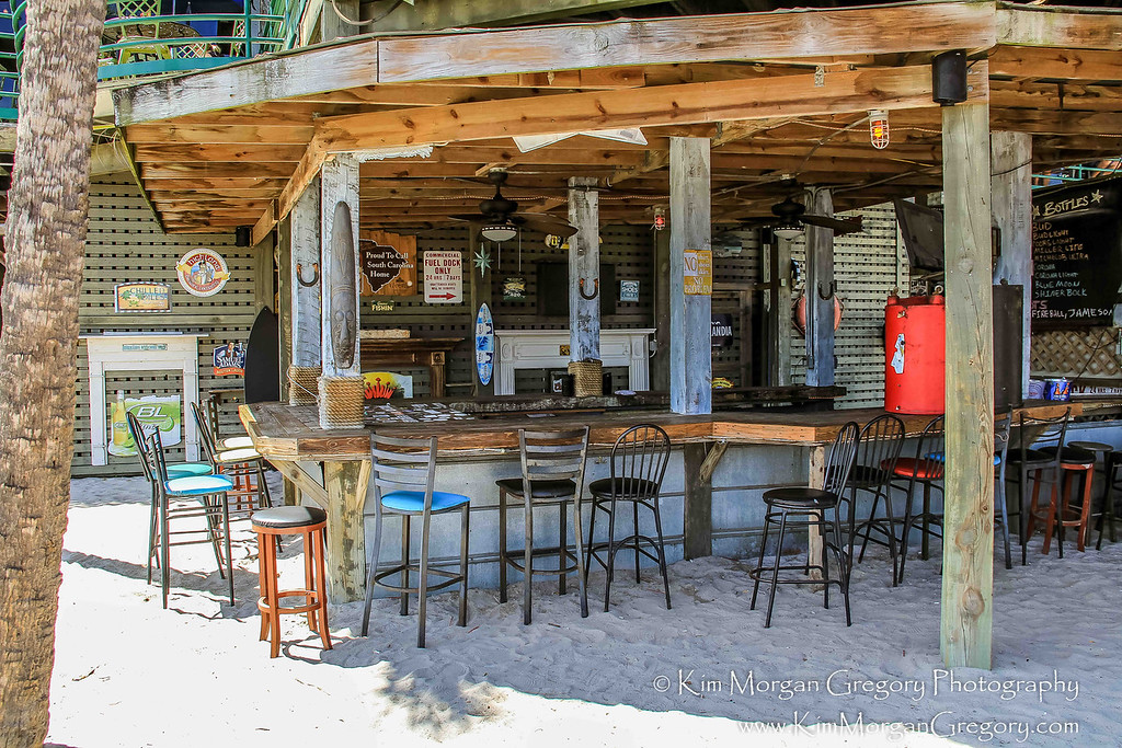 MUDDY'S DOCK BAR