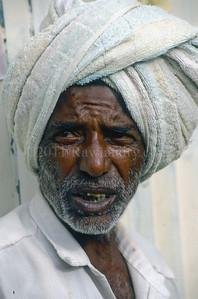 North to South ...Men... India - ©Rawlandry