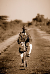 North to South ...On The Road... India - ©Rawlandry